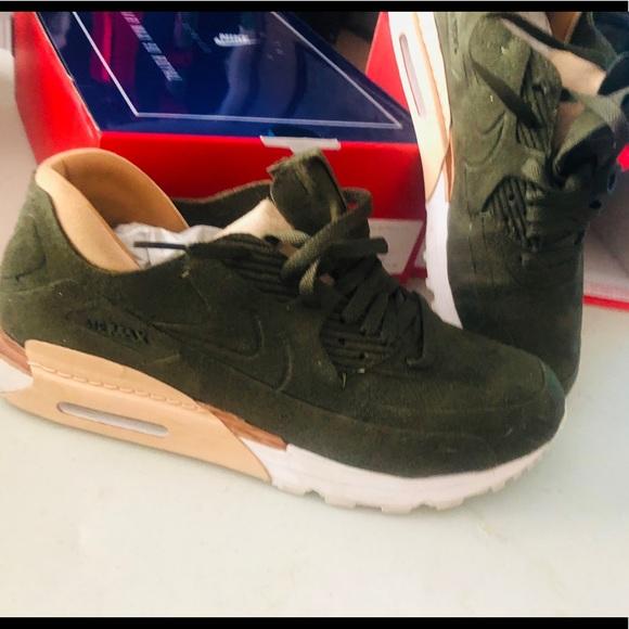 39ba81f3 Nike Shoes   Air Max 90 Royal M95 Euc   Poshmark